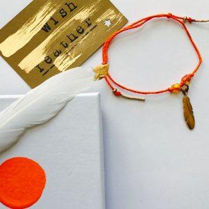hop-feather-wish-bracelet-01
